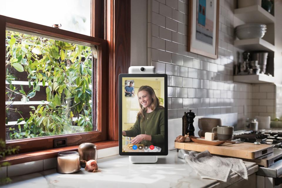 Portal視訊通話示意圖,來源:Facebook。